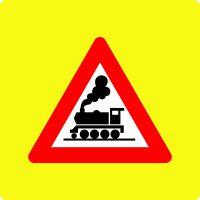 Ceļa zīme – Nr. 133 Dzelzceļa pārbrauktuve bez barjeras (ar fluorescējošu apmali)