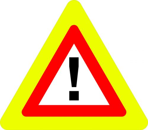 Ceļa zīme – Nr. 142F Bīstami (ar fluorescējošu apmali)