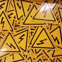 Darba drošības, elrktroapzīmējumu u.c. zīmes
