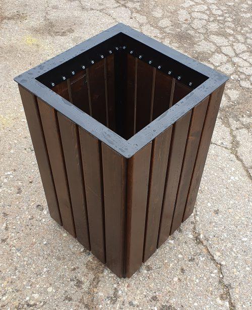 Atkritumu urna koka, metāla