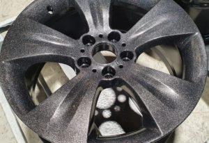 Vieglmetāla disku pulverkrāsošana